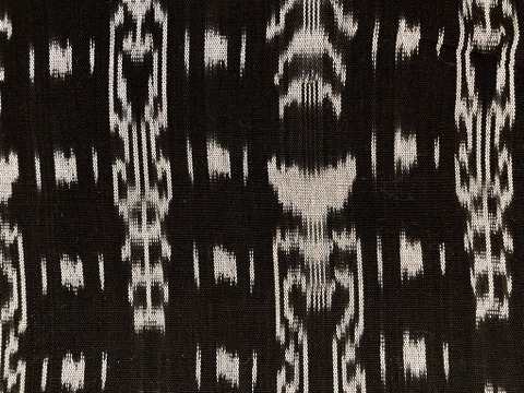 Jaspe Cloth (Ikat) Black And White